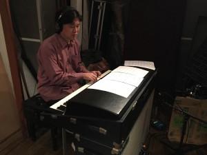rhodesを演奏する岩崎将史