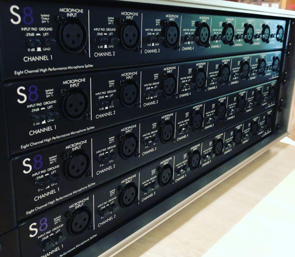 フルハウス所有のマイクチャンネルスプリッターART S8