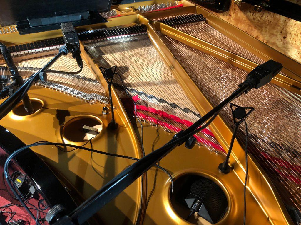追加で立てたピアノ用マイク DPA4021